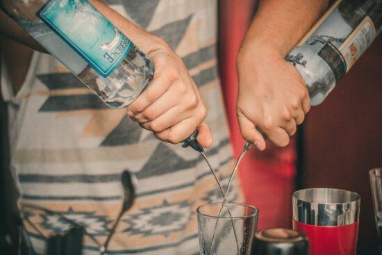 4 wedding bartender tips